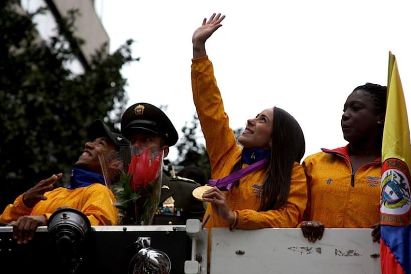 Multitudinario recibimiento a los medallistas en Bogotá DC 10