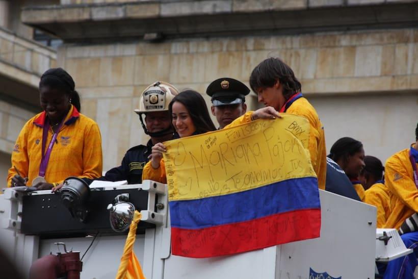 Multitudinario recibimiento a los medallistas en Bogotá DC 6