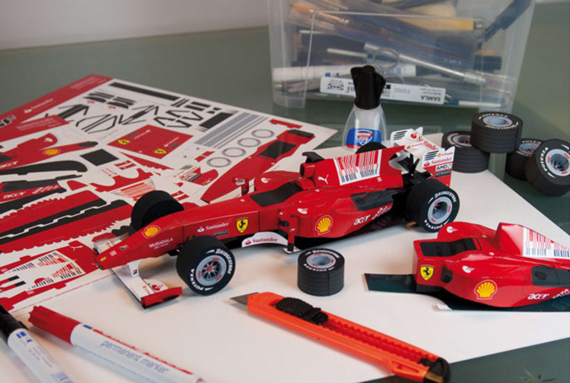 F10 - Cut-out paper to assemble 2