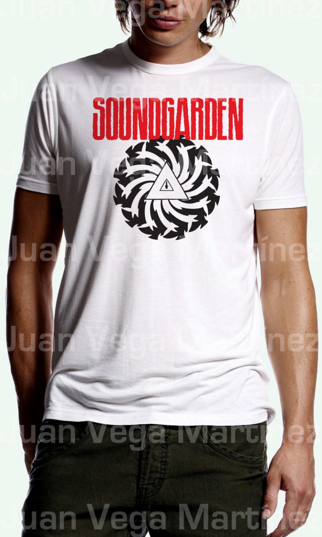Camisetas de Música diseños minimalistas, exclusivos y vectorizados de alta calidad, 25€ la unidad gastos de envío incluidos. Envio del diseño en formato vectorial de Illustrator de alta calidad: 10€ la unidad. 112