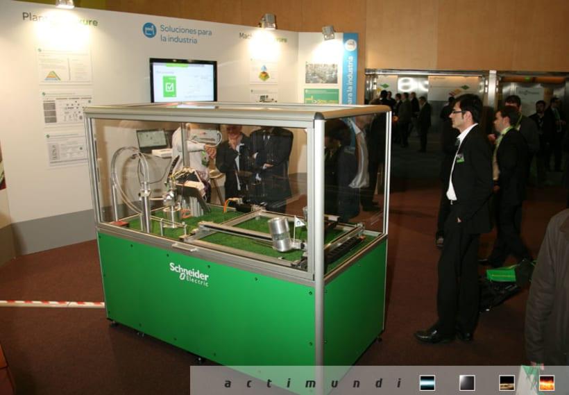 Schneider Electric - EcoStruxure 11