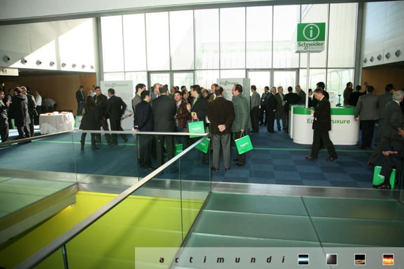 Schneider Electric - EcoStruxure 9
