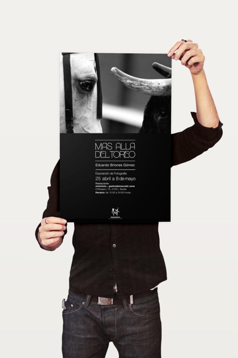 Cartel Exposición Fotográfica: Más allá del toreo. 2