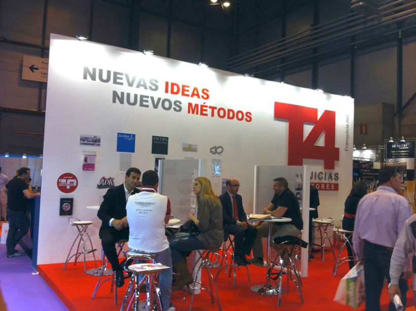 Stand T4 3