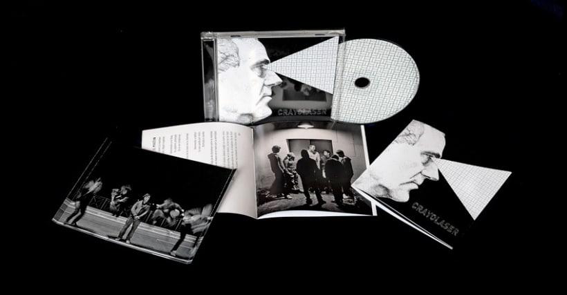 Diseño y maquetación del cd para el grupo Crayolaser 3