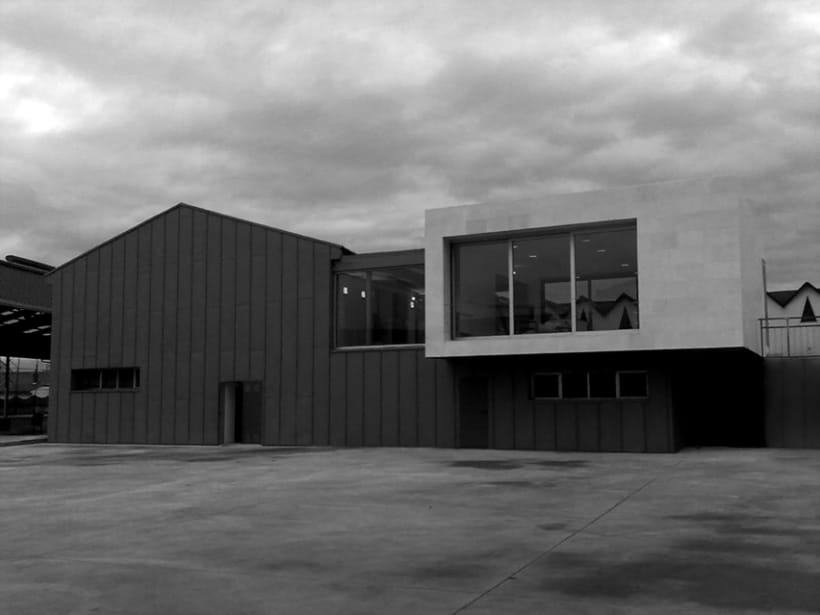 Centro Social en el poblado de Inuesa/Tremañes 1