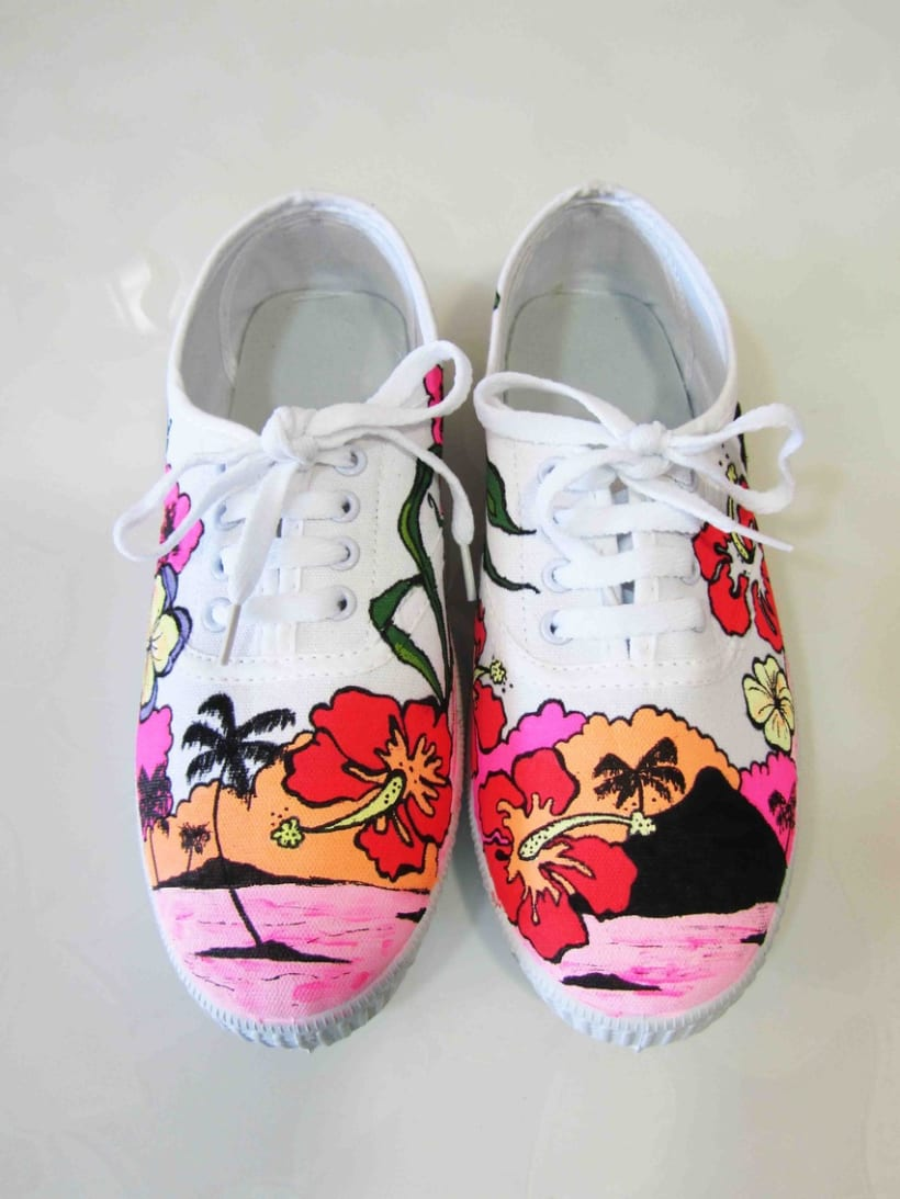 Zapatillas pintadas a mano 2