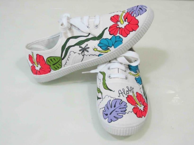 Zapatillas pintadas a mano 1