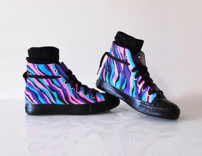 Zapatillas pintadas a mano 0