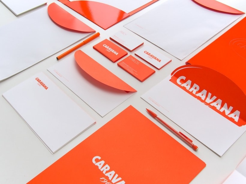 CARAVANA 9