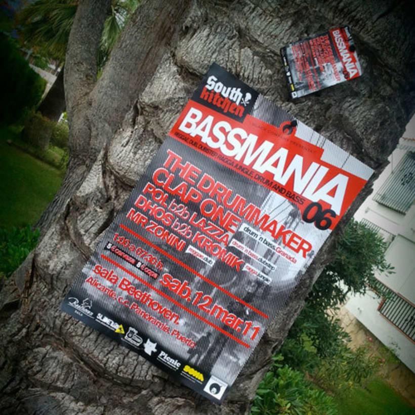 Bassmania | direccion de arte, carteles flyers y visuales en directo 0