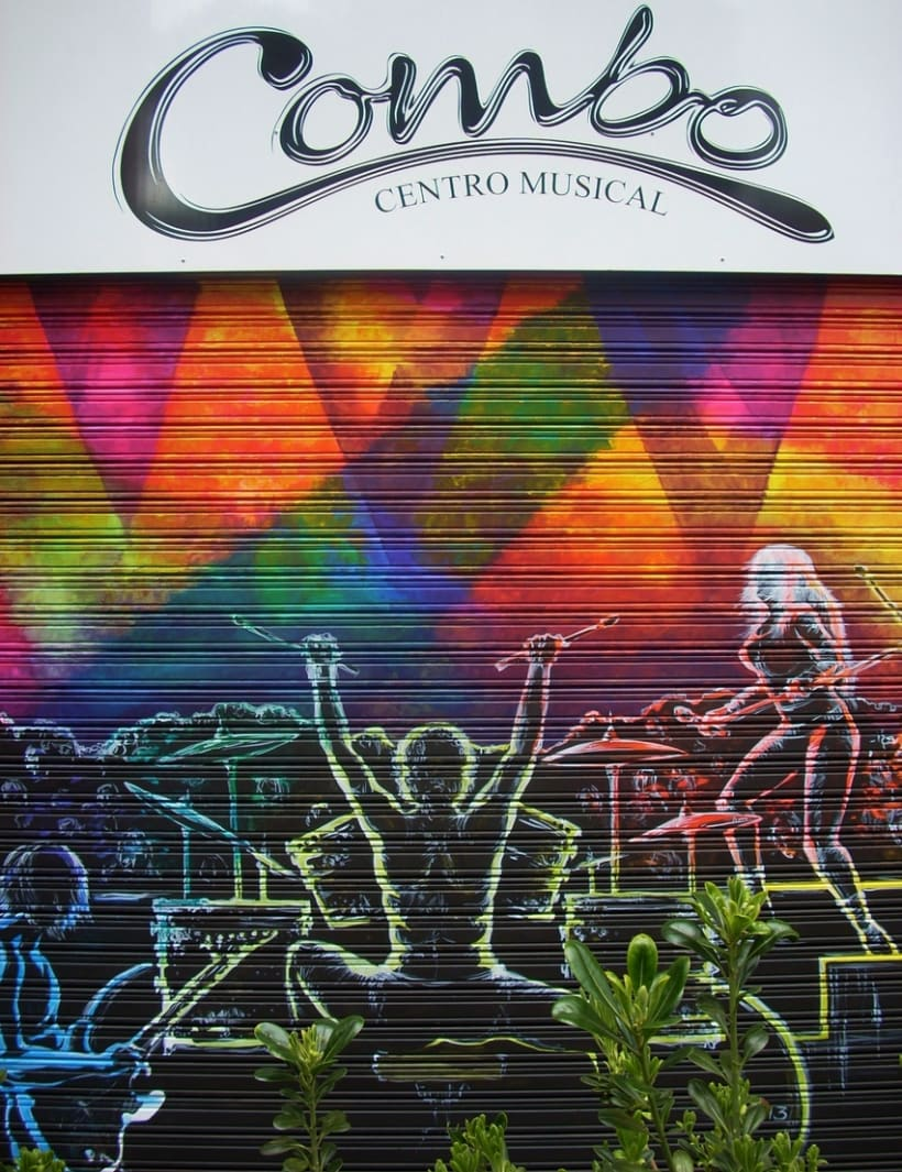 Pintura mural en fachadas, cierres e interiores 8