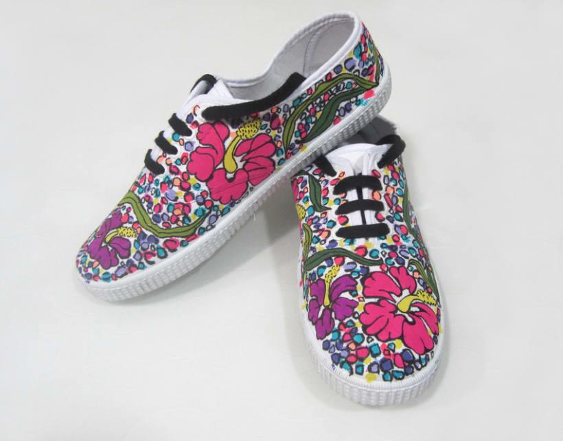 Zapatillas pintadas a mano 4