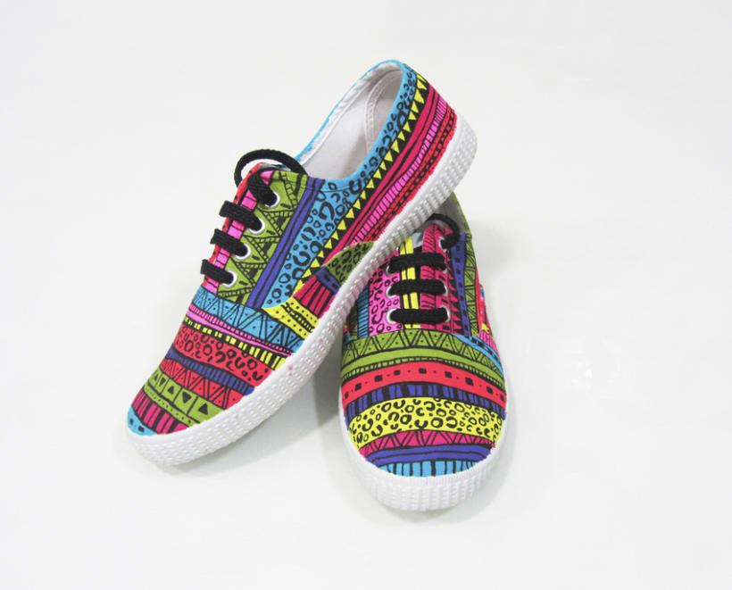 Zapatillas pintadas a mano 5