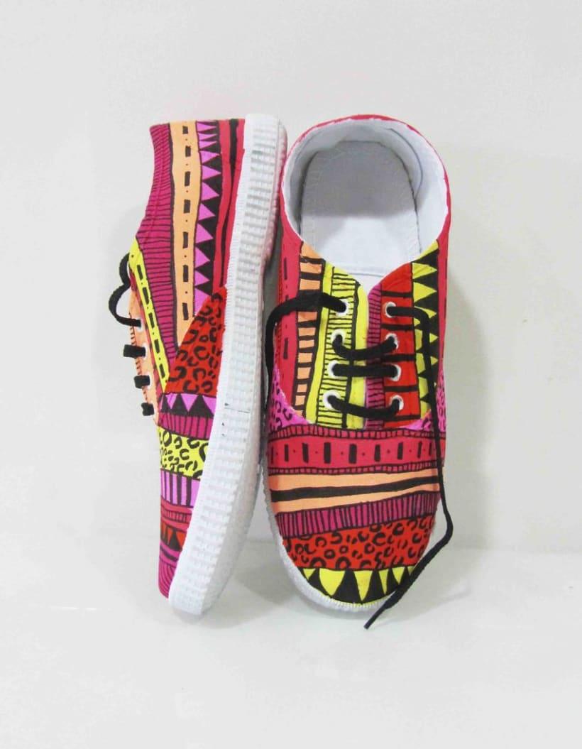 Zapatillas pintadas a mano 9