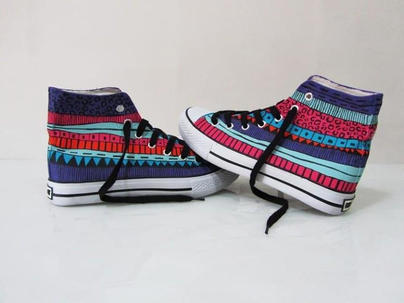Zapatillas pintadas a mano 11