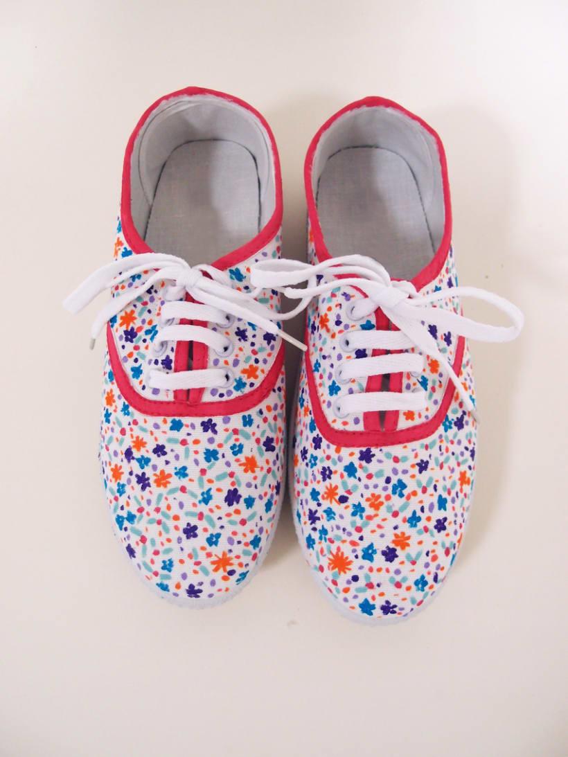 Zapatillas pintadas a mano 13