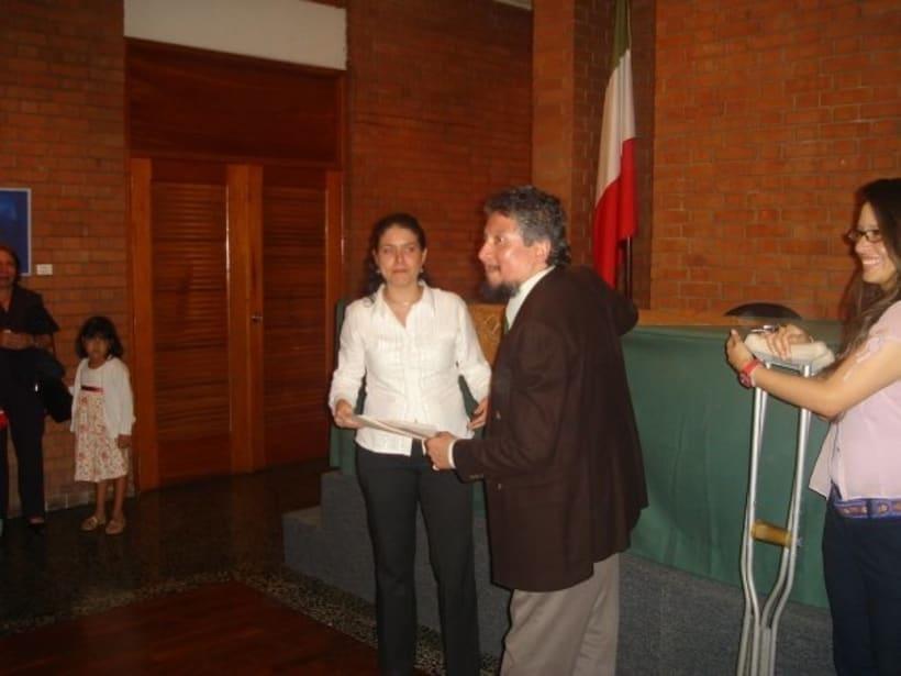 1st Exposition : Arte per tuti (IIC-Guatemala) Students and me. 3