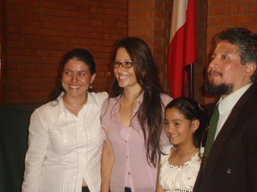 1st Exposition : Arte per tuti (IIC-Guatemala) Students and me. 5