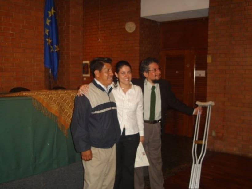 1st Exposition : Arte per tuti (IIC-Guatemala) Students and me. 6