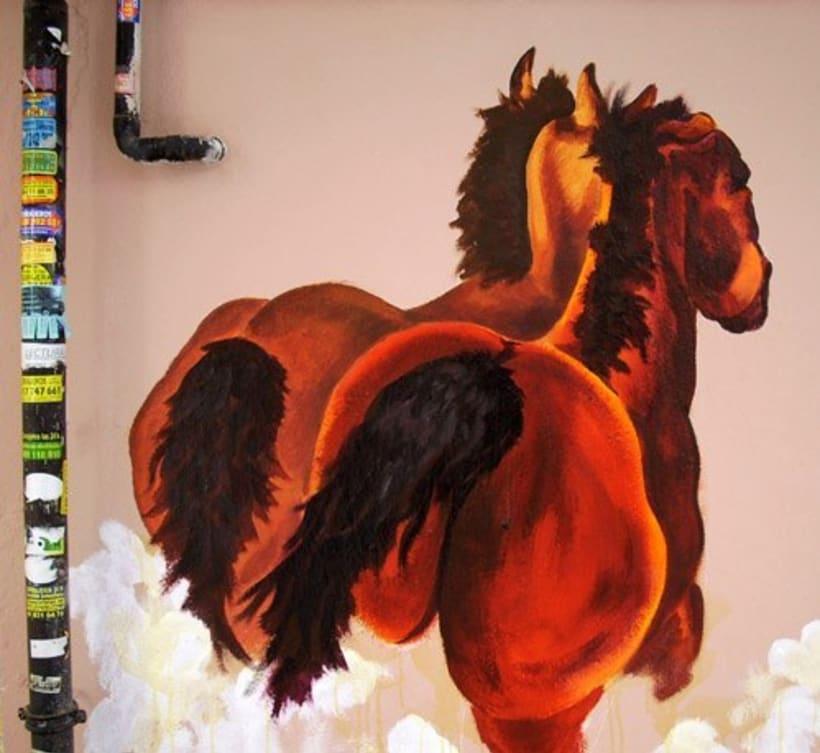 Pintura mural en fachadas, cierres e interiores 11
