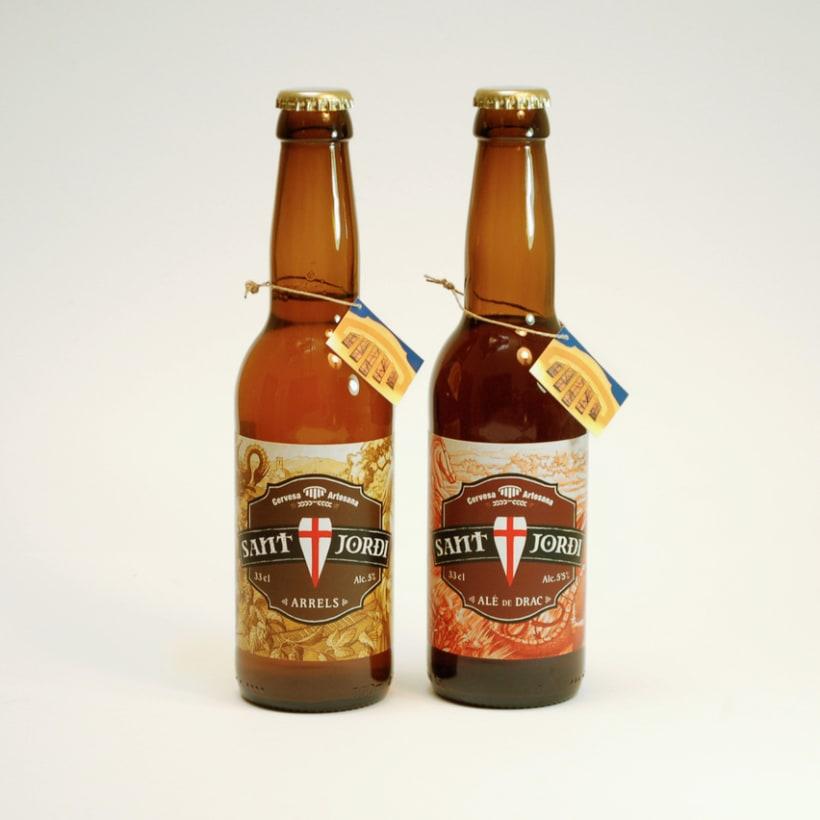 Diseño e ilustración de las etiquetas para la cerveza artesana Sant Jordi de Cardedeu 1