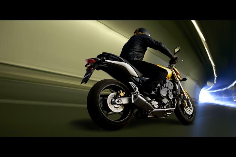 Automoción - Moto 4
