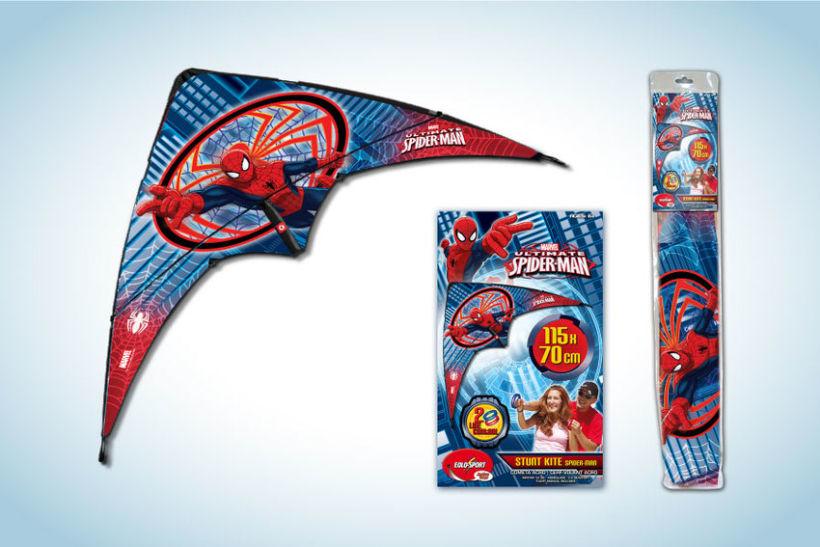 Diseño de artworks y packaging bajo licencias Disney y Marvel 14
