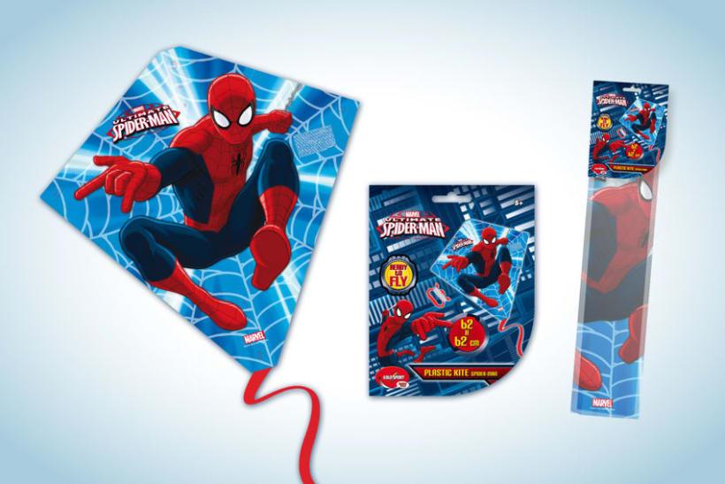 Diseño de artworks y packaging bajo licencias Disney y Marvel 15