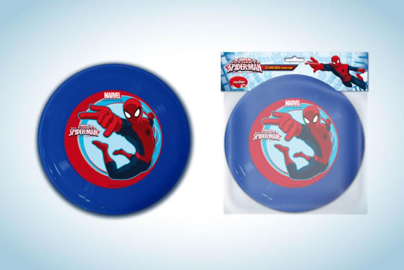 Diseño de artworks y packaging bajo licencias Disney y Marvel 16