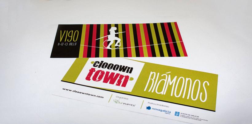 Logomarca y aplicaciones publicitarias para Clooown Town 5