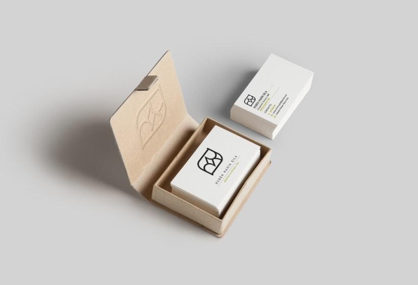 Diseño de identidad y tarjeta para Rubén Marín Gila 3