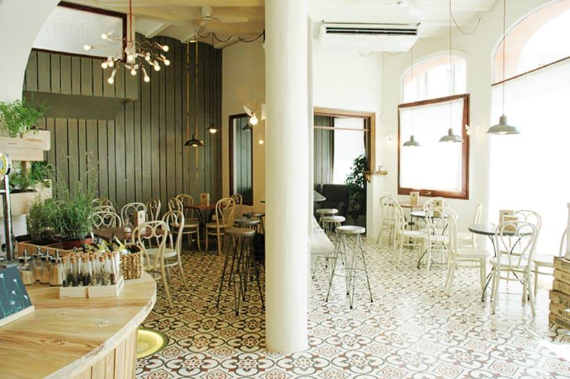 "Cafeteria-Libreria ""La Pau"" 11"