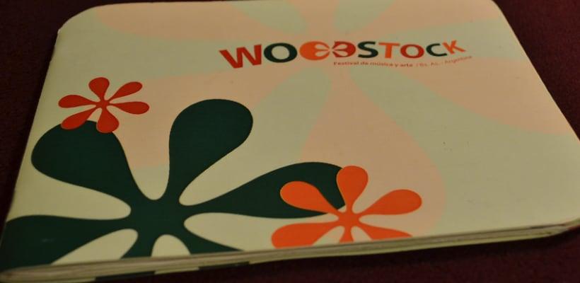 Librillo de festival ficticio Woodstock 2013 1