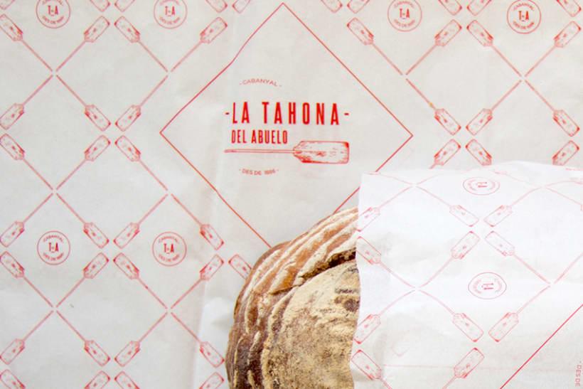 La Tahona del abuelo, horno tradicional y cafetería. Aplicaciones, papelería.  Valencia / 2013-2014 3