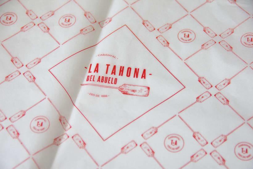 La Tahona del abuelo, horno tradicional y cafetería. Aplicaciones, papelería.  Valencia / 2013-2014 4