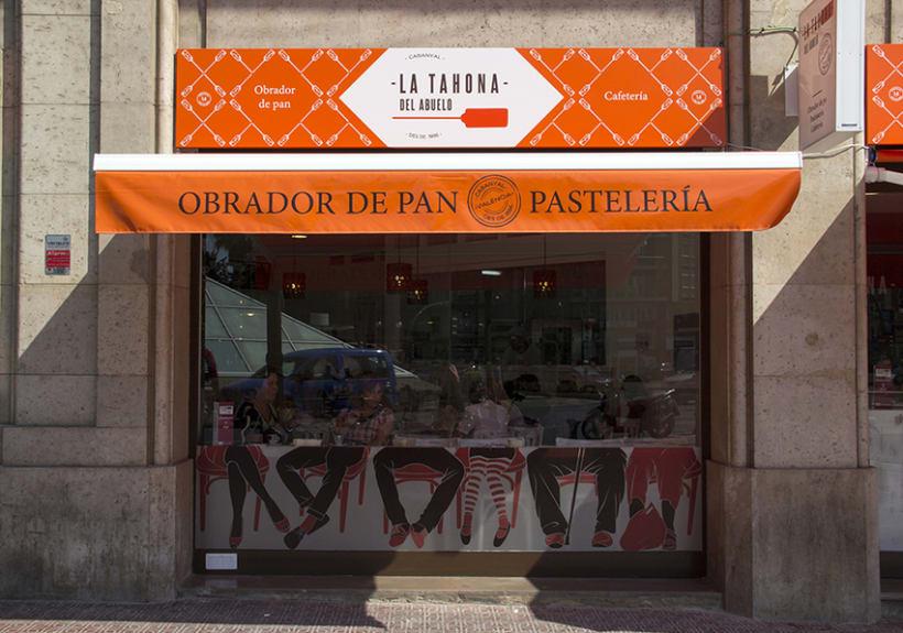 La Tahona del abuelo, horno tradicional y cafetería. Señalética, murales, vinilos. Valencia / 2013-2014 2