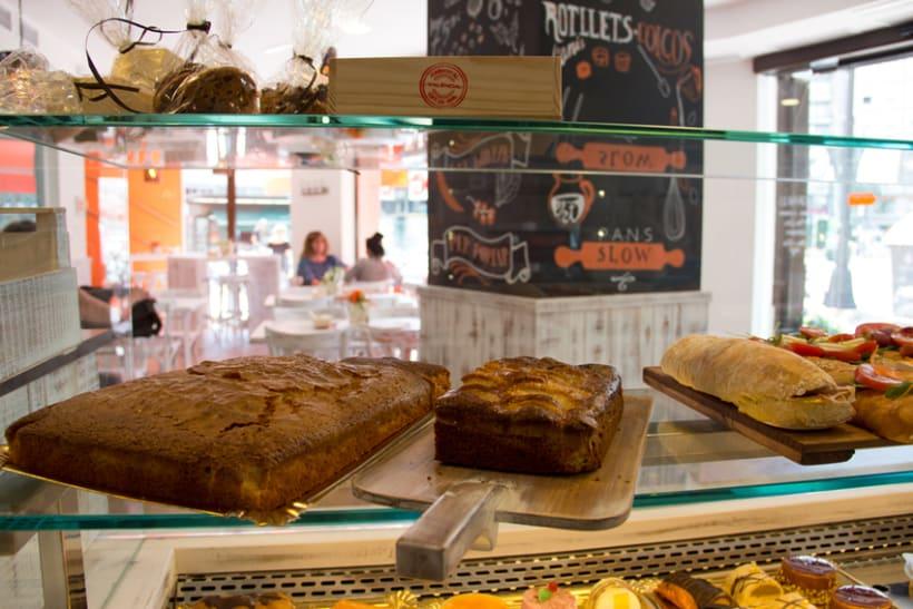 La Tahona del abuelo, horno tradicional y cafetería. Señalética, murales, vinilos. Valencia / 2013-2014 7