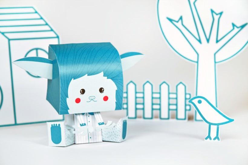 Coloretes Paper Toy 1