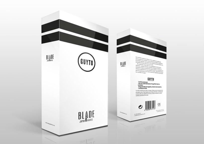 Packaging y folleto de Blade 0