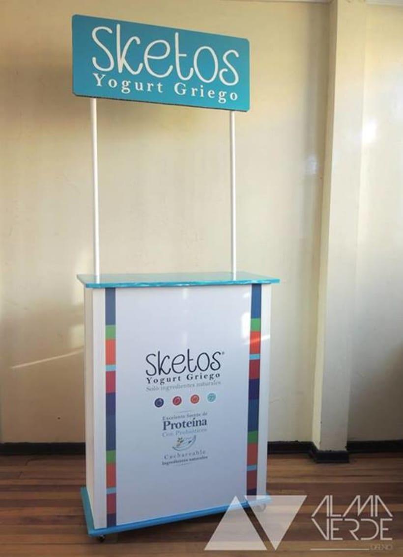 """Sketos """"Yogurt Griego"""" / Stand Jóvenes Empresarios 2"""
