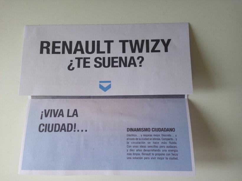 Renault Twizy. Folleto, realizado en el Máster de diseño gráfico en Aula Creactiva 3