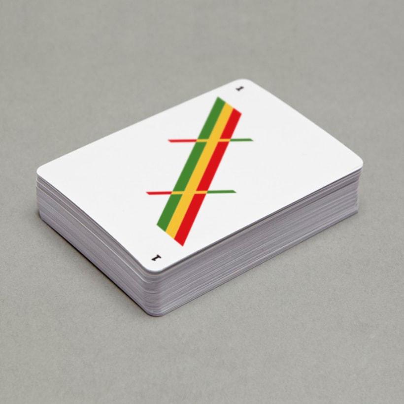 Baraja de cartas minimalista 5