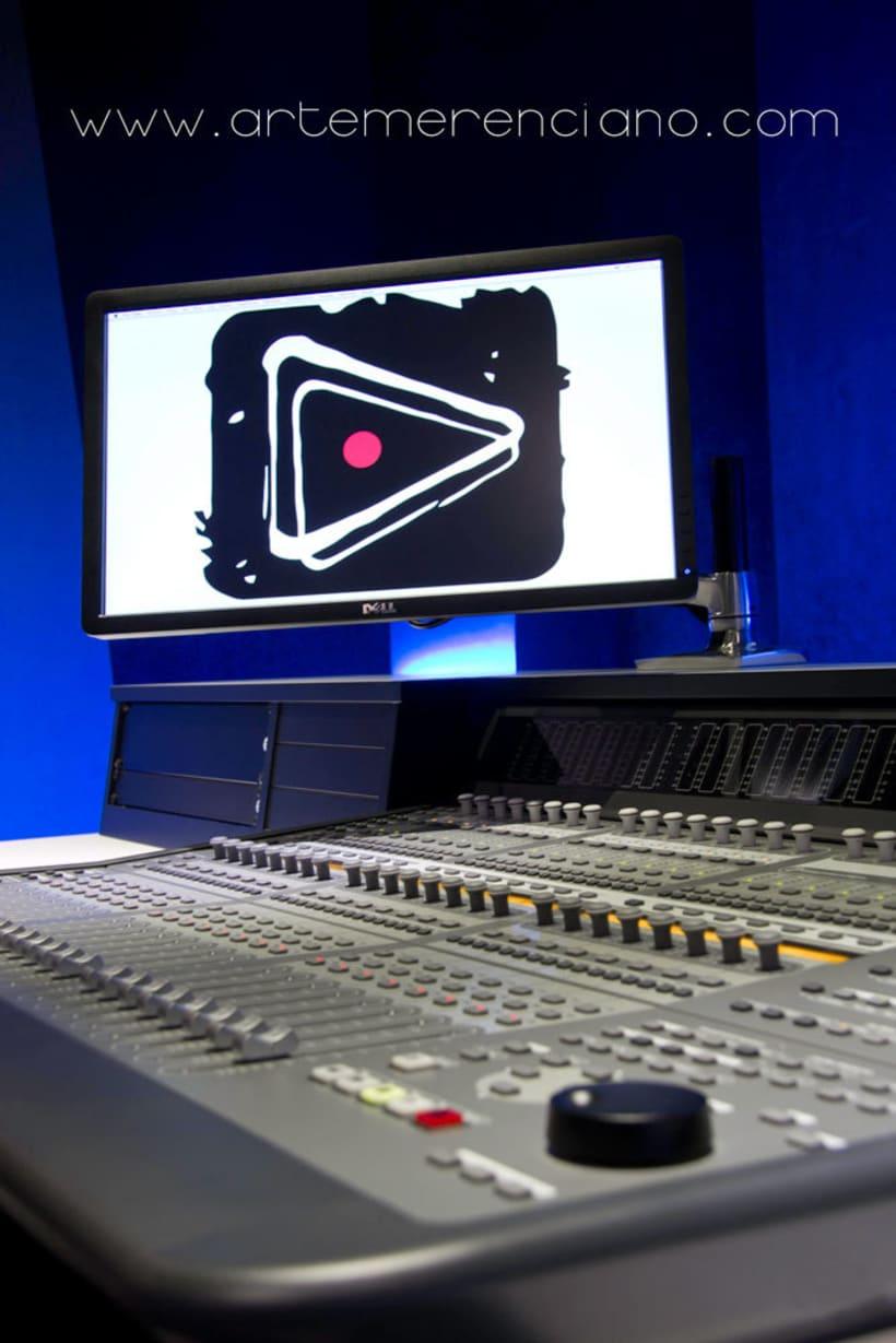 Fotografía instalaciones y equipo para estudio de grabacíon 5
