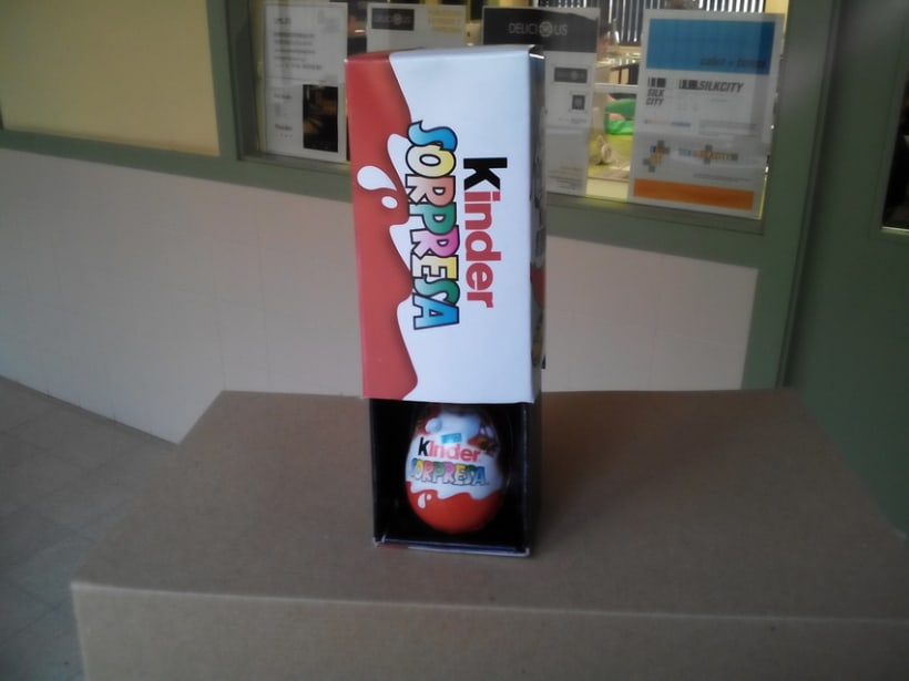 Packaging: Caja de magia de Kinder Sorpresa - https://www.youtube.com/watch?v=BfxA7CWA3Nc  4