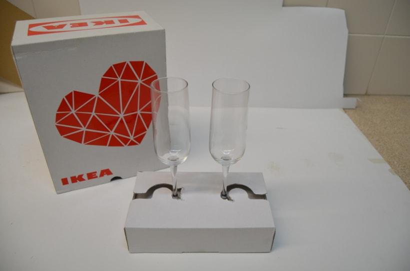 "Packaging: diseño de pack de copas resistente a golpes (San Valentín). Premio Liderpack 2014: Al mejor pack obra de estudiante ""Diseño Joven"" 3"