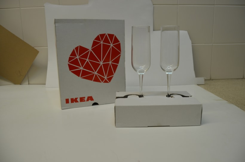 "Packaging: diseño de pack de copas resistente a golpes (San Valentín). Premio Liderpack 2014: Al mejor pack obra de estudiante ""Diseño Joven"" 4"