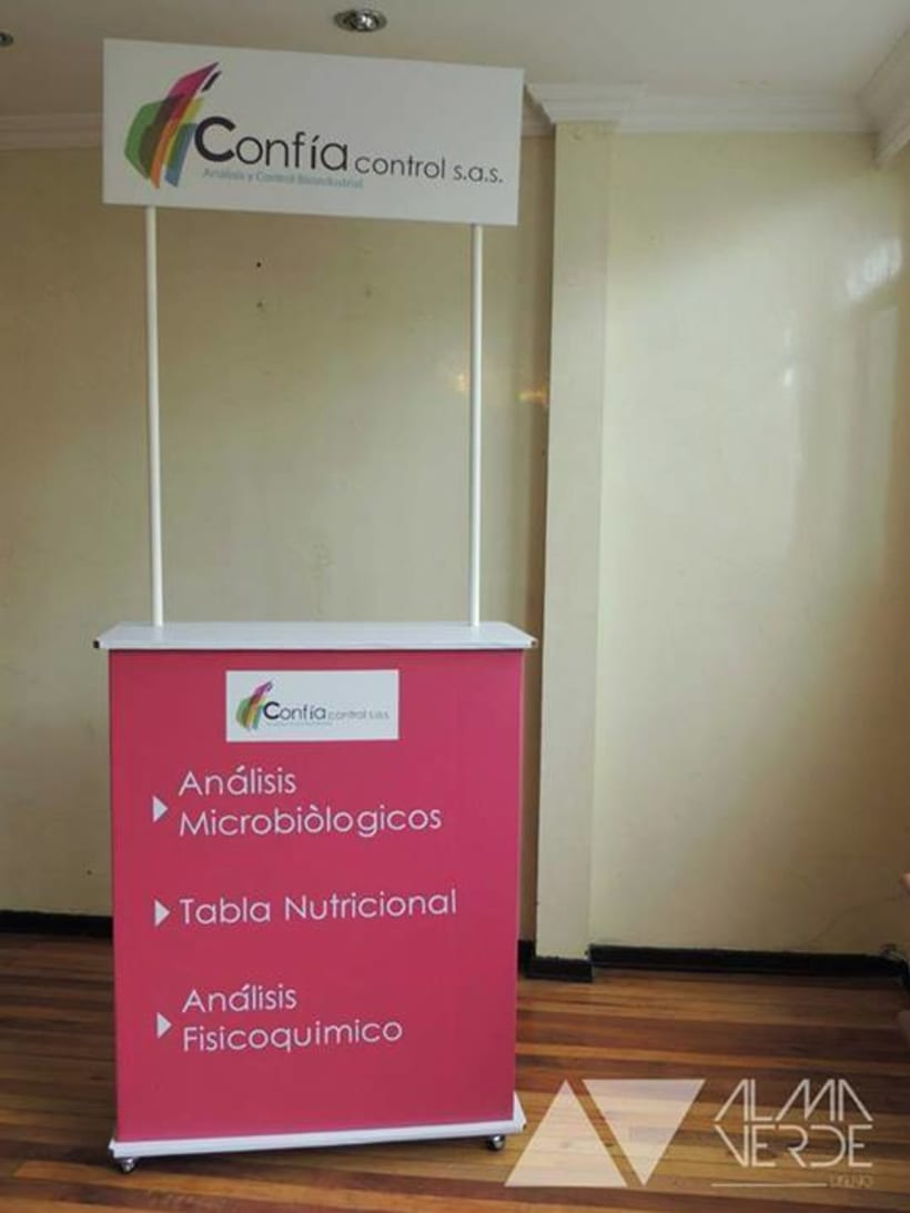 Laboratorio Confia Control - Stand / Display  3