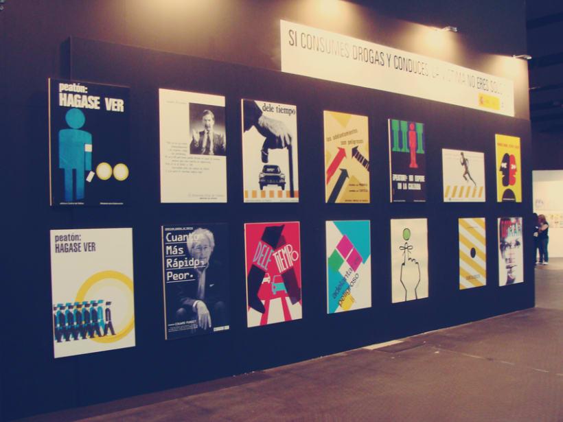 """Rediseño de cartel """"mirar y cruzar"""" para exposición de la DGT en Mulafest 2012. 1"""