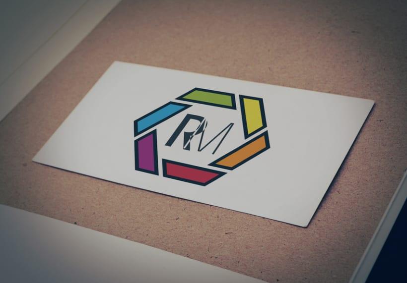 Logotipo para el fotógrafo Rufo Migoya -1